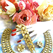 Massive Cream Colored Julian Vintage Bib/Collar Neckklace Bracelet Earrings