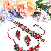 heart Throbbing Ruby Red Vintage Necklace Bracelet Earring Parure