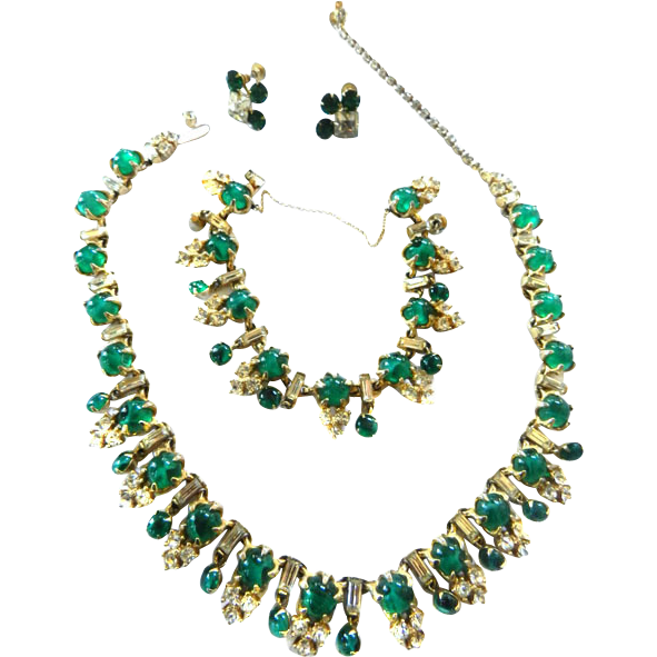 Classic Emerald Green cabochon 50s Necklace Bracelet Earrings
