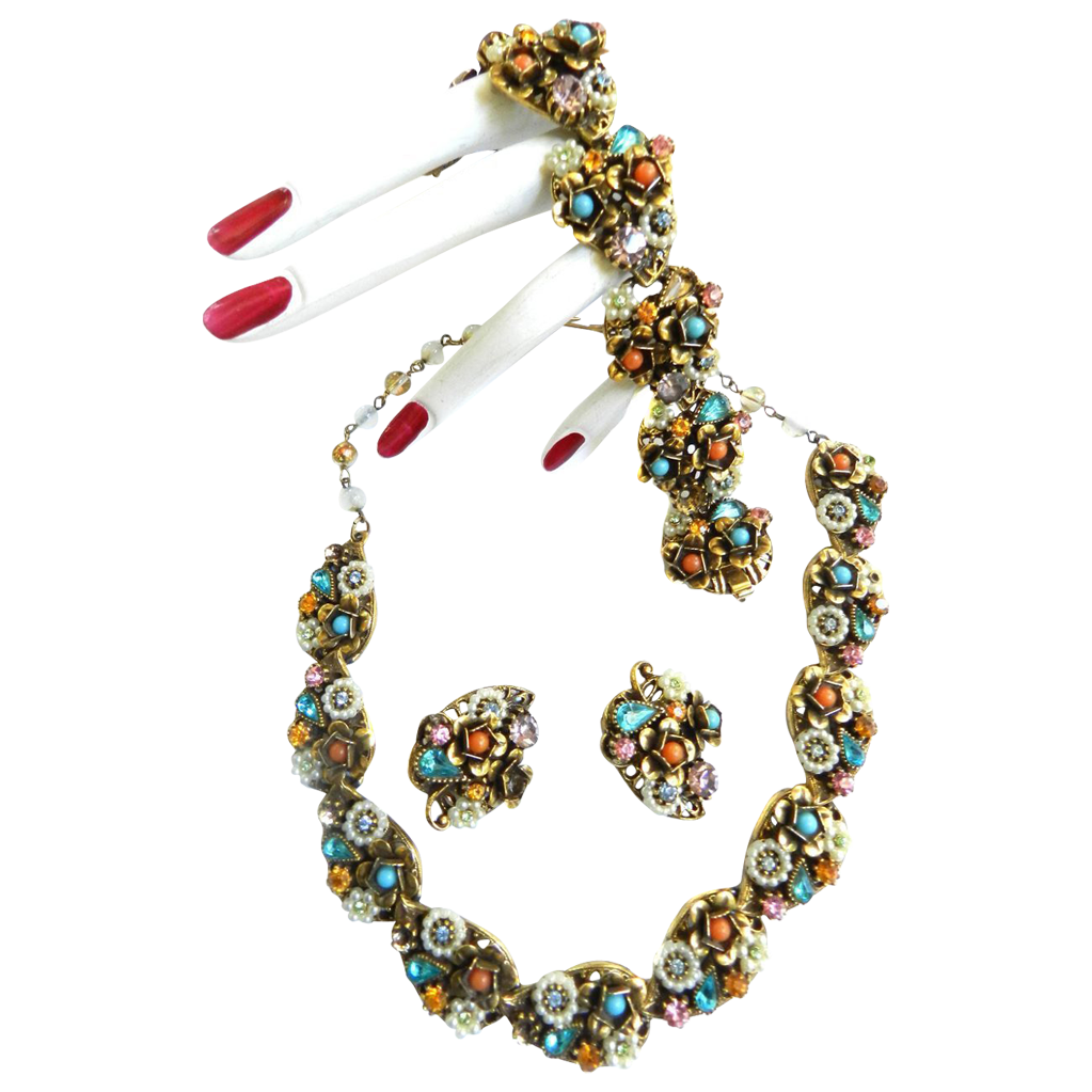 A Bit  of Everything Faux Pearls Art Signed Spectacular Necklace Bracelet Earrings