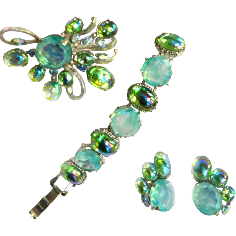 Dressed to kill Mint Green and Watermelon 50s Brooch Bracelet Earrings