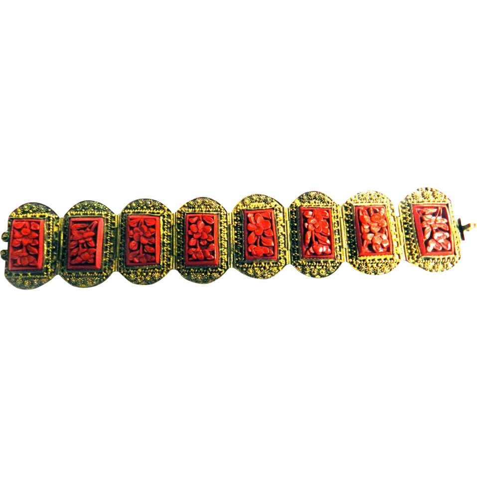 Gorgeous Carved Cinnabar Chinese Gilt Vintage Bracelet