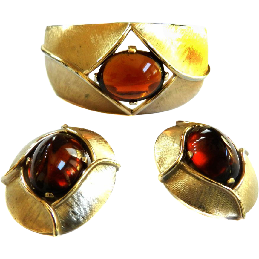 Vintage Big Bold Topaz Trifari Clamper and Earrings