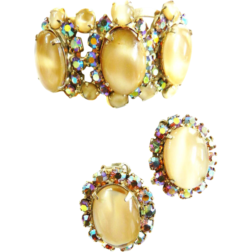Gorgeous Clamper Bracelet with Cream Moonstone Rhinestones Vintage