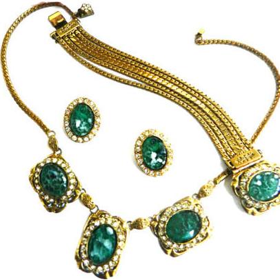 Vintage 1940s Art Glass Faux Jade Carved Stone Necklace Bracelet Earrings