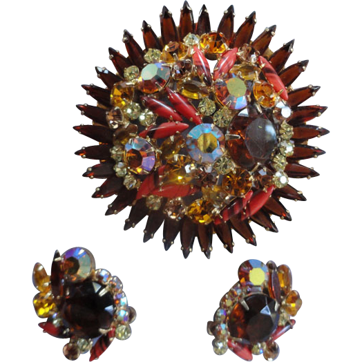 Humongous Juliana Brooch art glass Stones  BookPiece