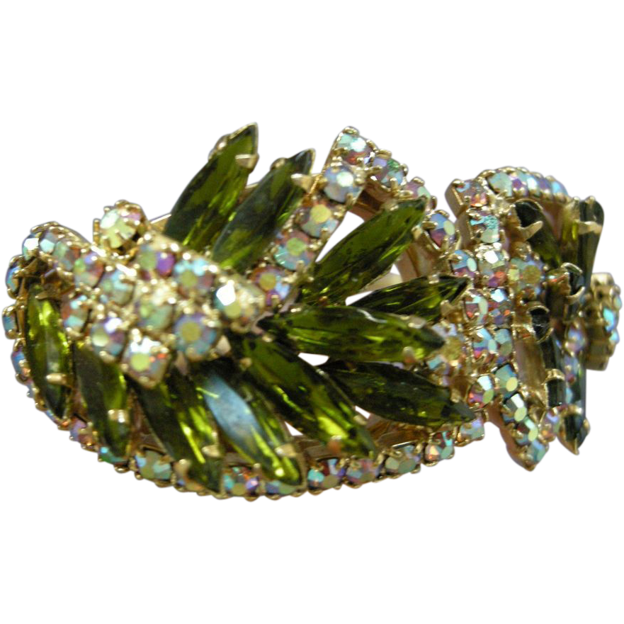 Gorgeous High End Olivine Vintage Clamper Bracelet