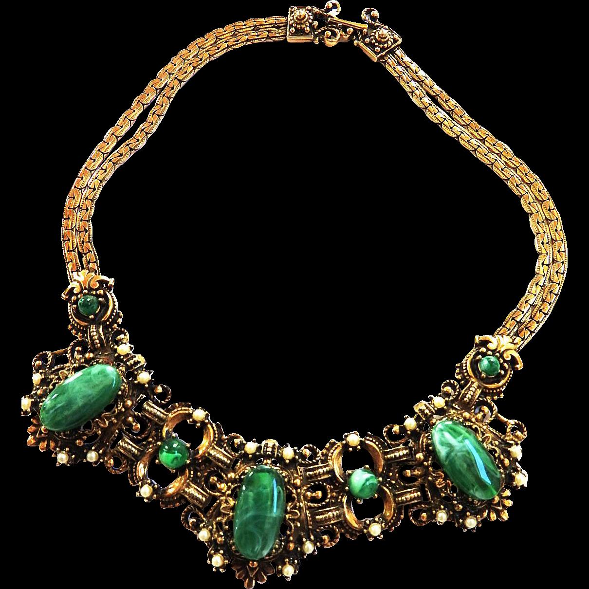 Big Emerald Green Cabochon and Faux Pearl Vintage Necklace Bib/Collar Rhinestone