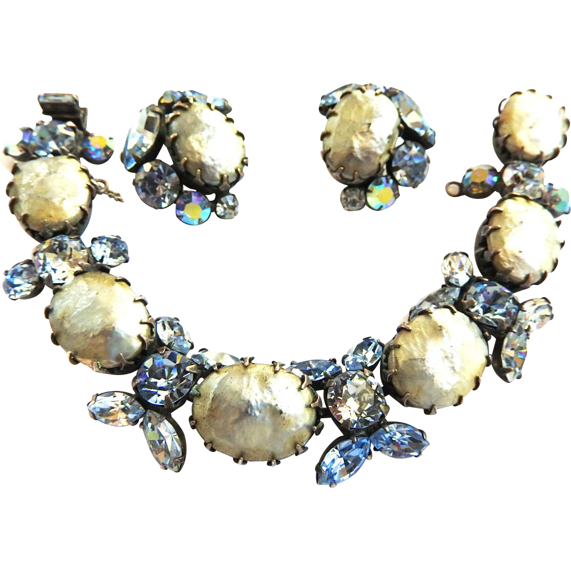 Beautiful Regency Faux pearl Bracelet and Earrings
