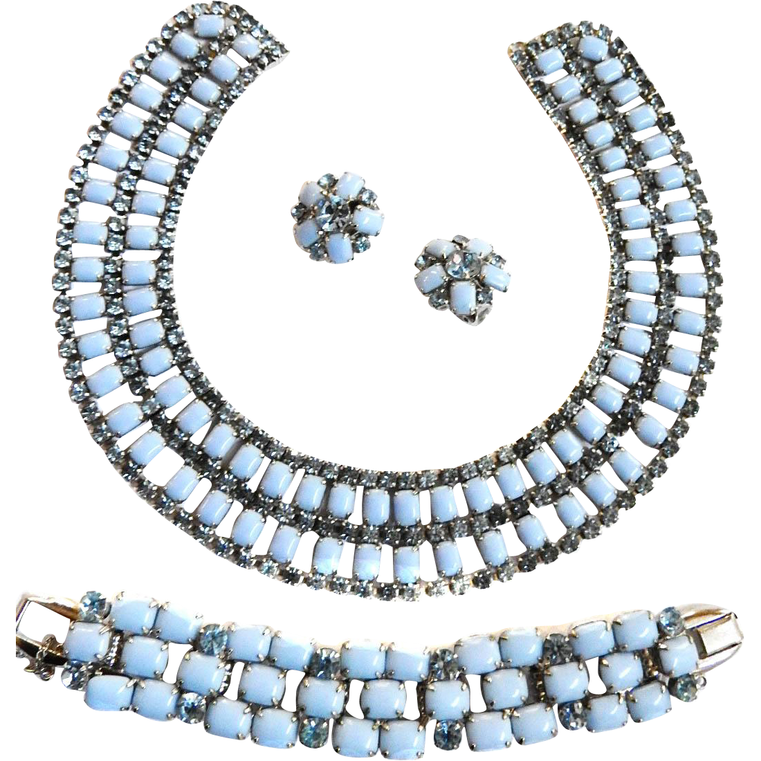 Lady sings the Blues Juliana Moonstone Parure Necklace Bracelet Earrings