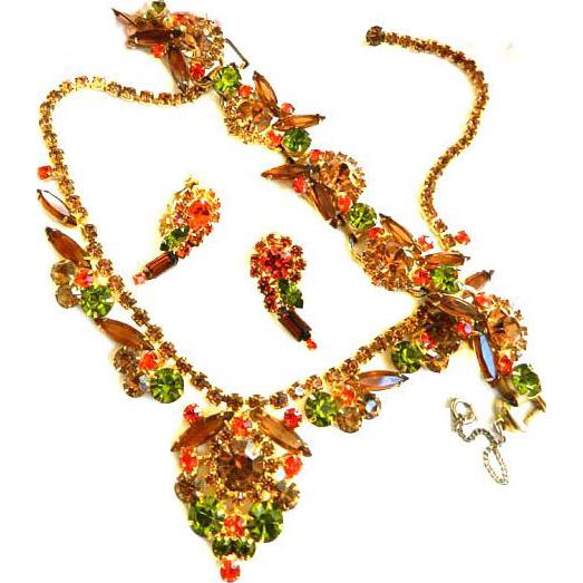 Sultry Juliana Necklace Bracelet Earrings Must C.