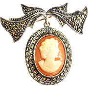Stunning Vintage  Carved Shell Cameo Brooch