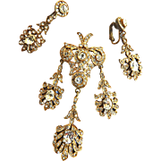 Exquisite 1940s Cadoro Brooch and Earrings