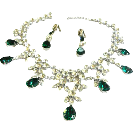 Exquisite Bib Collar Vintage Emerald Glass Huge Demi Parure