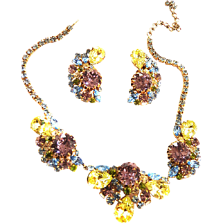 Show time Hobe Huge Vintage Necklace and Earring Parure