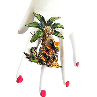 1940s Mexican Amigo Under Palm Tree Brooch Celluloid