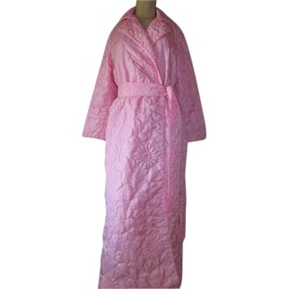 Vintage Pink Satin Robe Matelassé Quilted Long floral design S M Hahne & Company