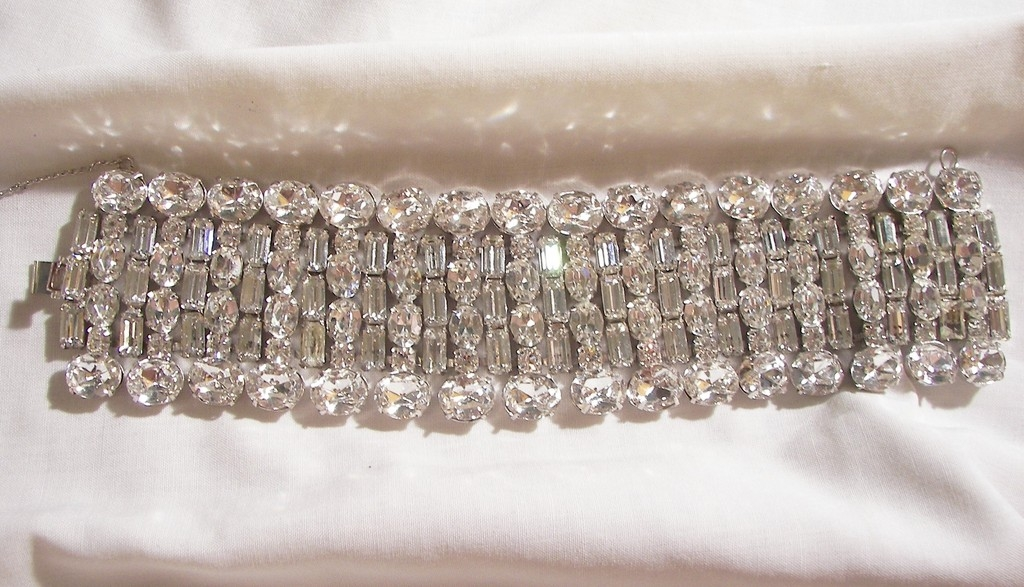 Fantastic Bold Wide Bright sparkling all rhinestone Link Bracelet Weiss co 1947