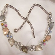 Lovely Lisner Frosted givre opaque molded Lucite pastel rhinestone Necklace