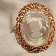 Gorgeous Victorian style bevel Intaglio reverse carved Cameo Brooch