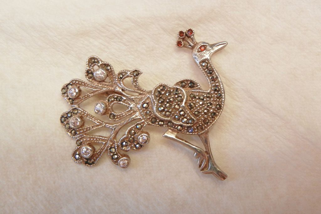 Very pretty vintage sterling marcasite Peacock Brooch