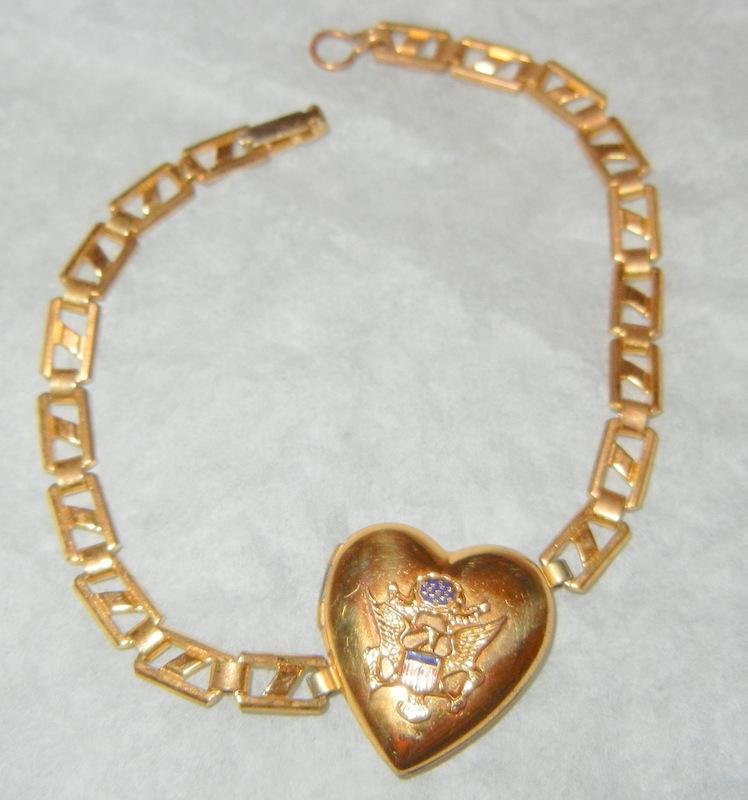 Vintage sweetheart Eagle emblem Heart Locket link Bracelet