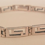 Lovely sterling vintage Greek key link Bracelet