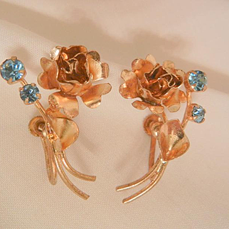 Summer sale ends Monday 8/29 Vintage lovely Austria Rose and tulip flower gold washed Blue rhinestone Screw back Earrings