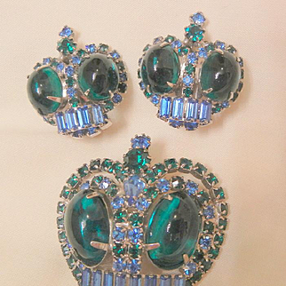 Vintage Magnificent Emerald green Blue Cabochons rhinestones Crown Brooch Earring Set