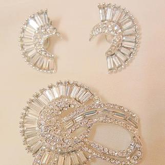 Stunning rare Art Deco rhinestone half Moon Brooch clip Earring Set