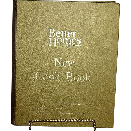 Better Homes and Gardens New Cook Book Commemorative Souvenir
