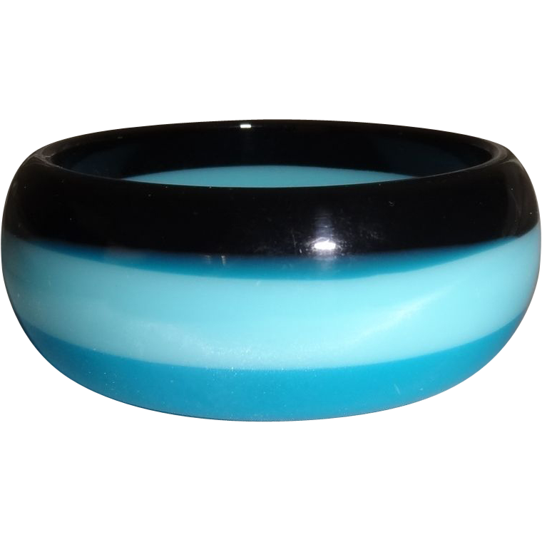 Vintage Tri-Colored Lucite Bangle Bracelet