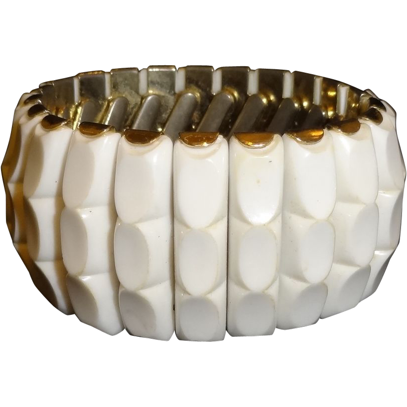 Vintage Molded White Plastic Expansion Bracelet