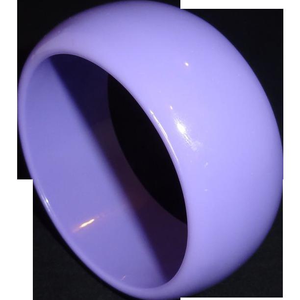 Vintage Thick Wide Lavender Lucite Bangle Bracelet