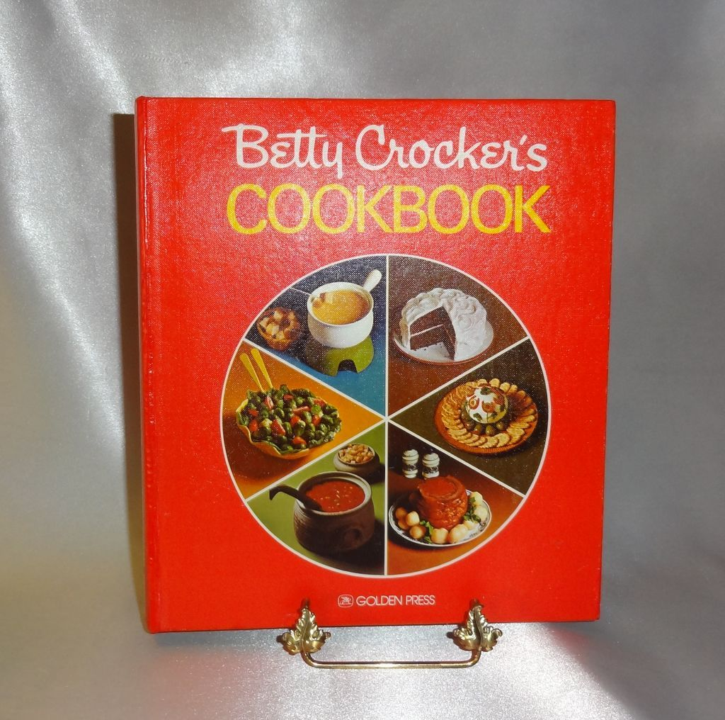 Betty Crocker's Cookbook c.1976 Never Used