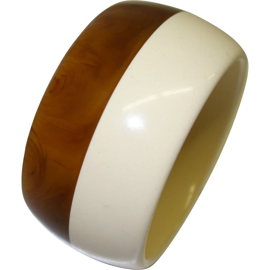 Vintage Marbled Caramel and Cream Laminated Lucite Bangle Bracelet