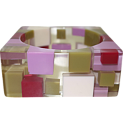 Mod 1960's Clear Lucite Bracelet with Injected Squares