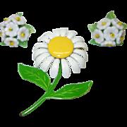 Vintage Enamel Metal Daisy Flower Pin