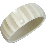Vintage Off-White Striped Moonglow Lucite Bangle Bracelet
