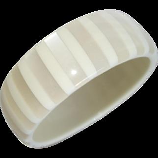 Vintage Off-White Striped Moonglow Lucite Bangle Bracelet