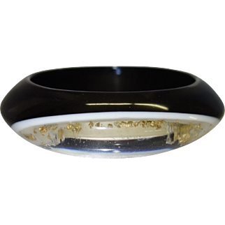 Vintage Black and Clear Lucite Bracelet with Embedded Gold Leaf Flakes