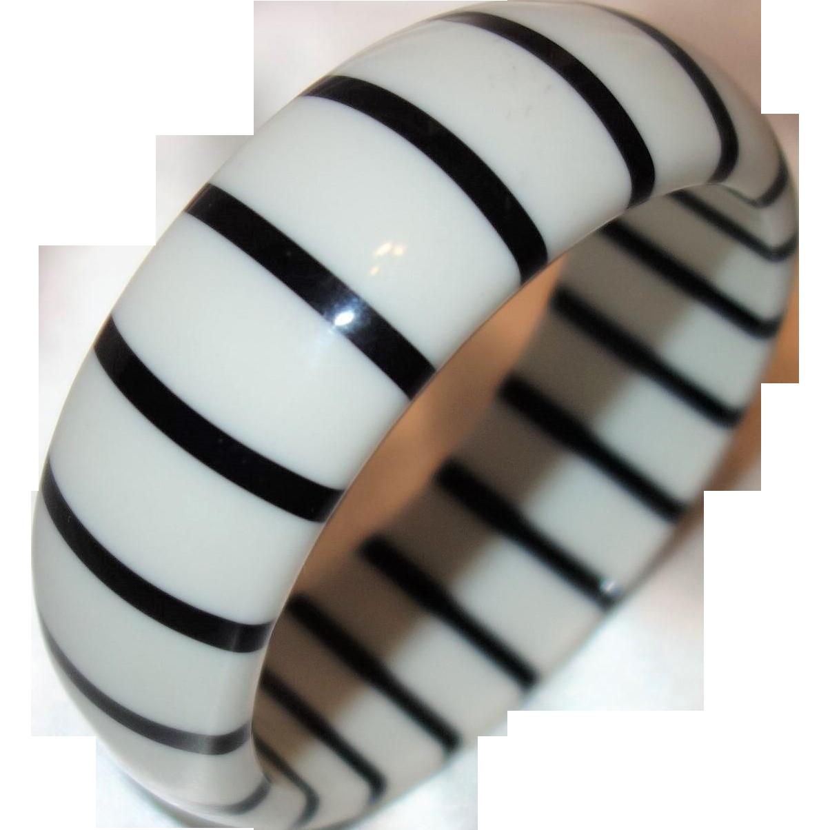 Vintage Black and White Striped Lucite Bangle Bracelet