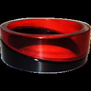 Vintage Transparent Red and Black Diagonal Patterned Sliced Lucite Bangle Bracelet