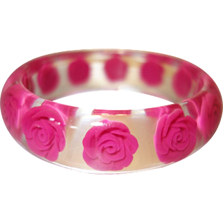 Vintage Clear Lucite Bracelet with Embedded Hot Pink Flowers