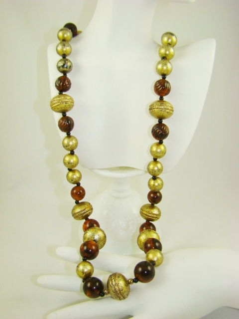 Stunning Root Beer and Gold Tone Bead Necklace