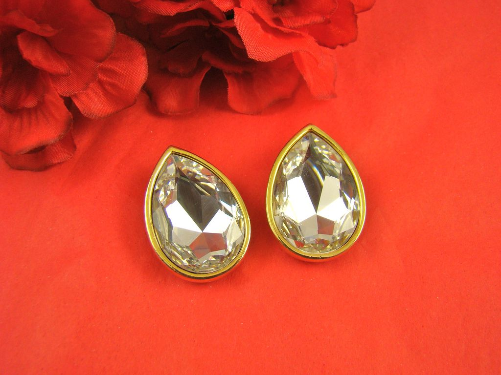 Phenomenal Swarovski SAL Teardrop Earrings