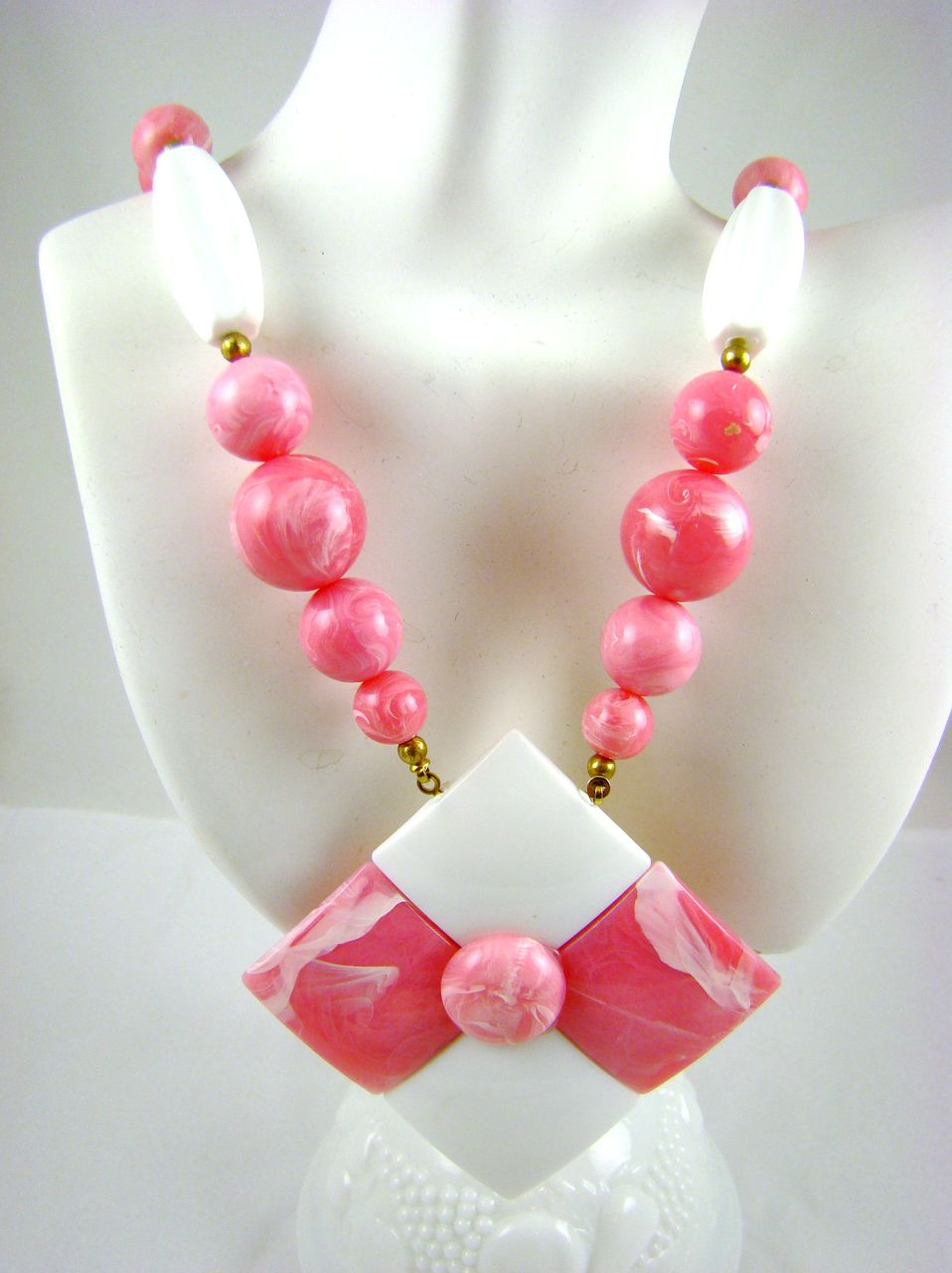 Marbled Pink and White Lucite Geometric Design Necklace