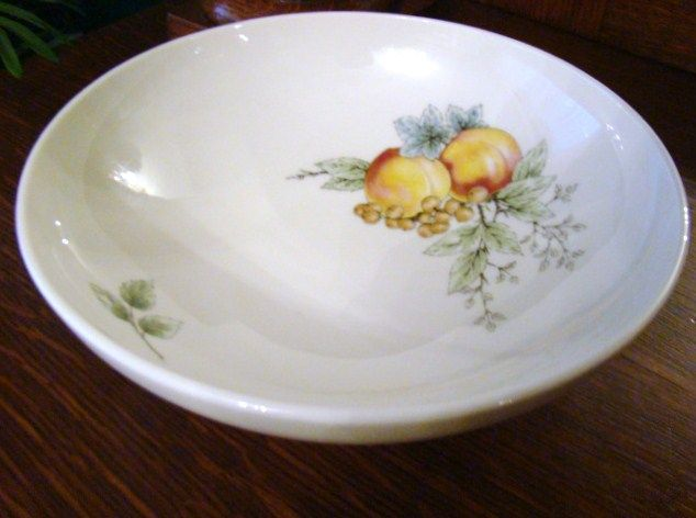 "Discontinued 1960s Syracuse Carefree China 8"" Round Vegetable~Wayside~Mint"
