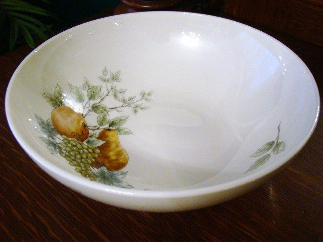 "Discontinued 1960s Syracuse Carefree China 9 5/8"" Round Vegetable~Wayside~Mint"
