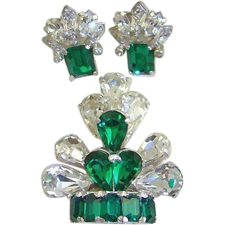 1940s Retro Eisenberg Emerald and Clear Rhinestone Fur Clip and Earrings